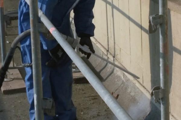 Strahlarbeiten an der Fassade
