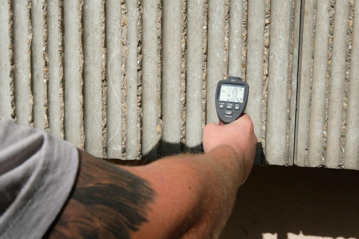 Vor der Sanierung waren Haftzugswerte und Karbonatisierungstiefen zu ermitteln, Schadstoffe zu analysieren und Schäden zu dokumentieren.