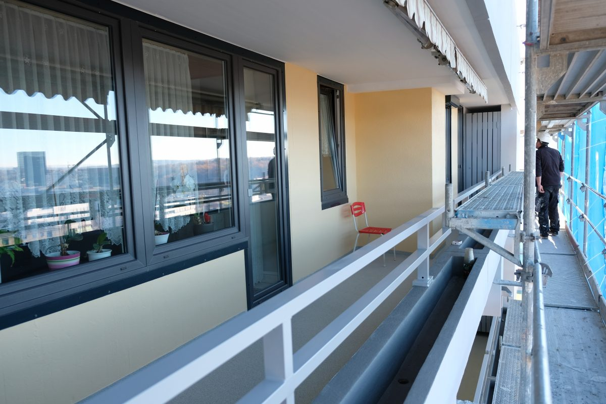 Das kann sich sehen lassen: Sanierte Balkone, Brüstungen und Pflanztröge.