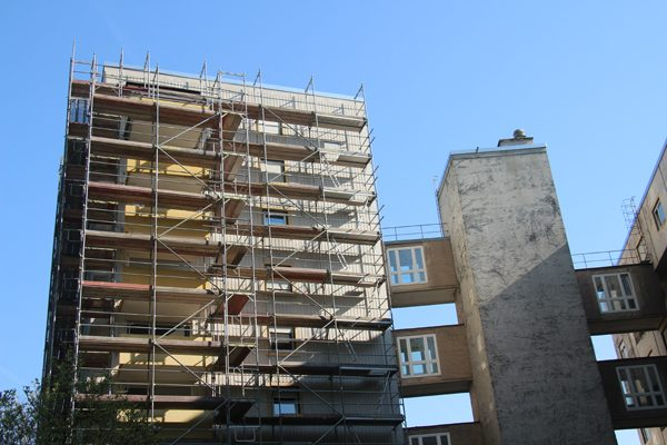 Die Mitarbeiter vom Standort Altbach führen umfangreiche Sanierungsarbeiten durch. Im November soll das Großprojekt fertiggestellt sein.