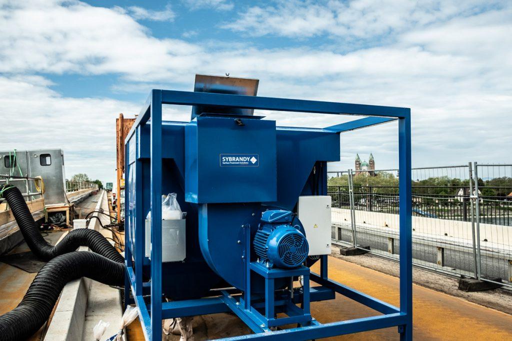 Die Filteranlage reinigt bis zu 12.000 Kubikmeter Luft in der Stunde.
